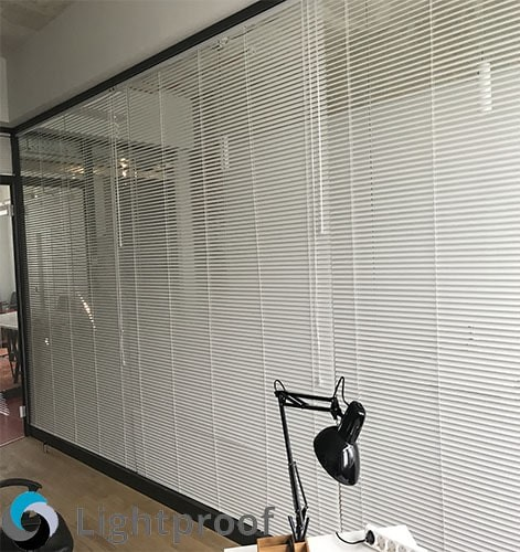 Рулонные шторы в офис